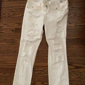White ripped skinny jean